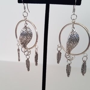 Jewelry - Chandelier style earrings silver leaves boho